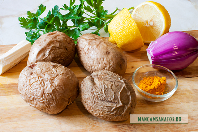 ingrediente pentru cartofi copti, cu ceapa si verdeturi aromatizate
