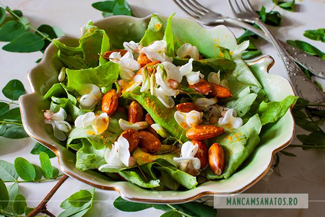 salata verde, cu migdale, flori de salcam si suc de portocale