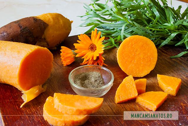 ingrediente pentru cartofi dulci, cu tarhon, piper si flori de galbenele