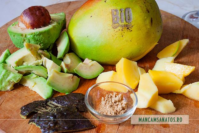 ingrediente pentru inghetata cremoasa, raw vegana, cu mango si ghimbir
