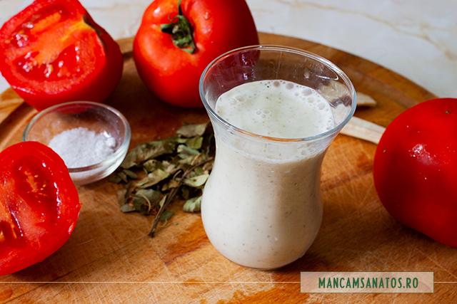 ingrediente pentru salata de rosii, cu emulsie enzimatica de paducel si hrean