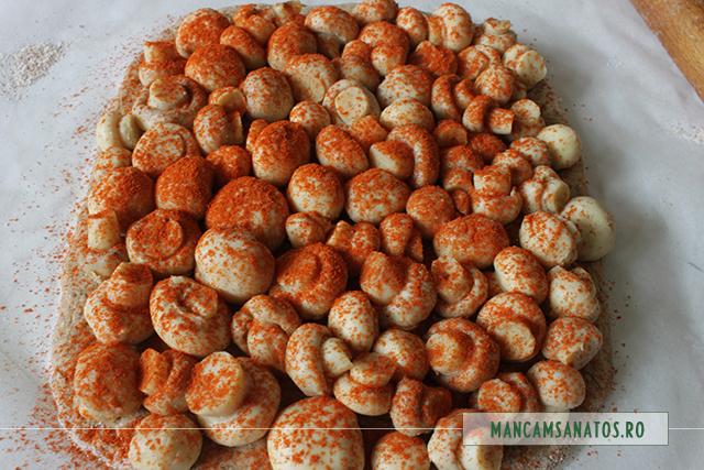 ciuperci,  in aluat integral cu morcovi si mirodenii, pentru cuptor