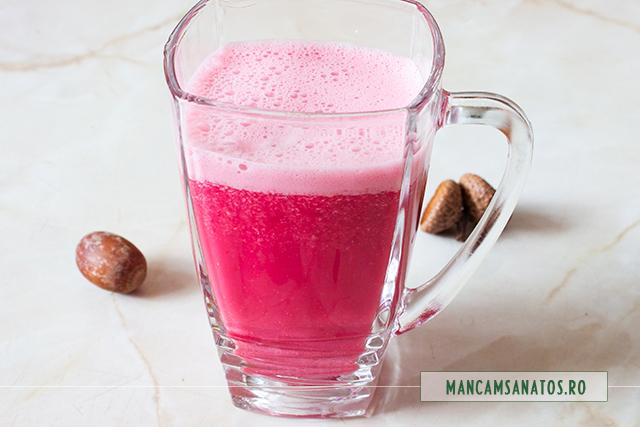 smoothie de caju, cu sfecla rosie si ghimbir