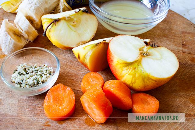 ingredinete pentru smoothie energizant si antioxidant, cu seminte de canepa