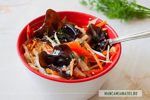 ciuperci urechi de lemn marinate, cu legume