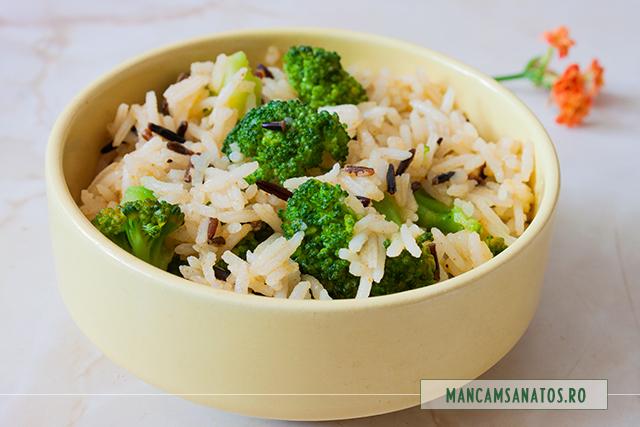 orez basmati si salbatic, cu broccoli si curry