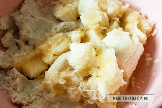 ingrediente crema pentru pasca raw vegana, cu alune, caju, banane si stafide