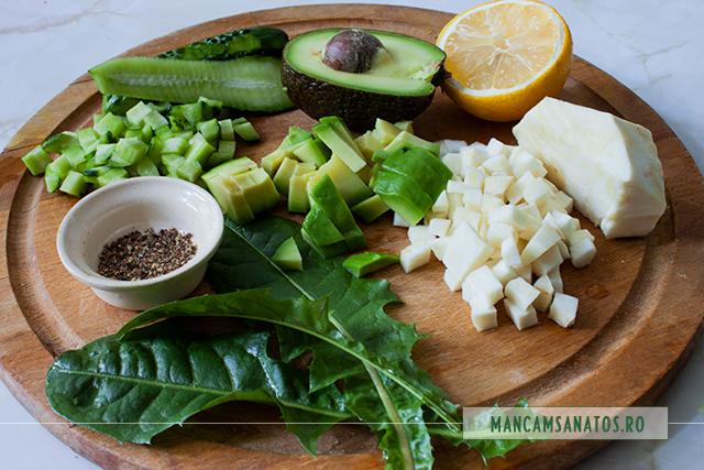 ngrediente pentru salata detoxifianta, cu avocado si frunze de papadie