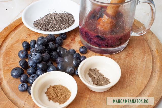 ingrediente pentru budinca raw vegana, de afine