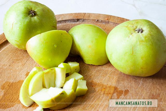 mere verzi, la maruntit, pentru ciorba de fasole pastai si mere verzi, cu tarhon