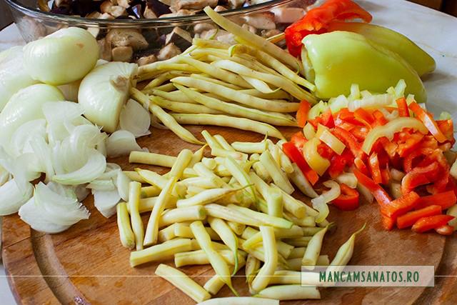 ingrediente pentru vinete si fasole verde piqante, la cuptor