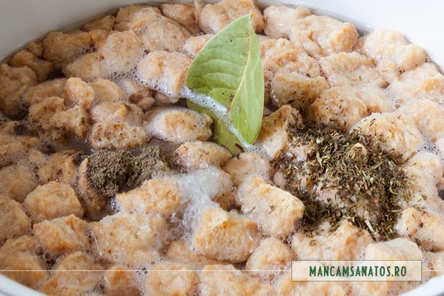 texturat proteic de soia, cuburi, pregatit pentru fiert