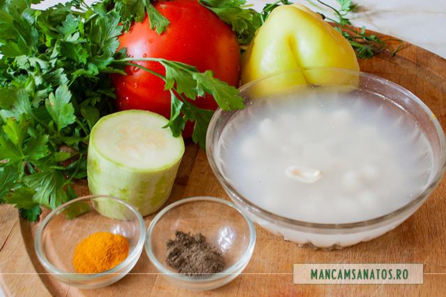 ingrediente pentru salata de legume, cu alune crude, patrunjel si mirodenii